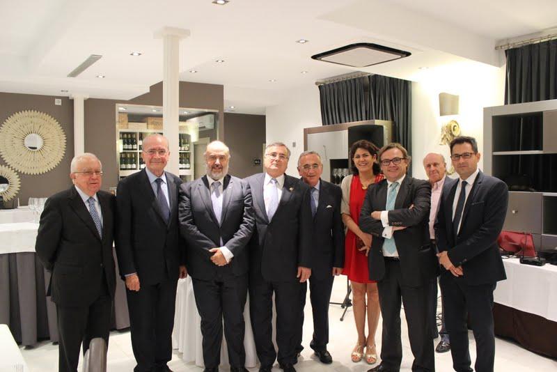 El Alcalde de Málaga y el Decano entregan la distinción de Ingeniero del Año de la provincia a Manuel J. López Ruiz