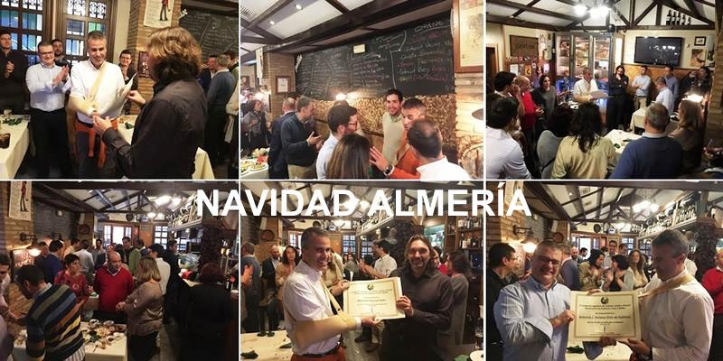Nuestros compañeros de Almería se reunen en torno a la mesa en su tradicional Comida Navideña