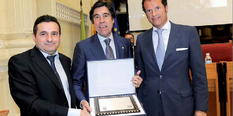 Manuel Manrique, presidente de Sacyr, recibe el premio José María Almendral en Jaén