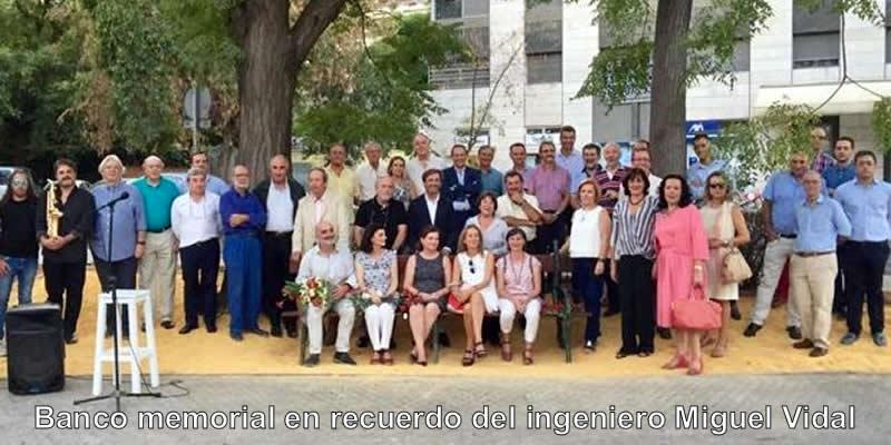 Un banco memorial en recuerdo del ingeniero Miguel Vidal Sanz