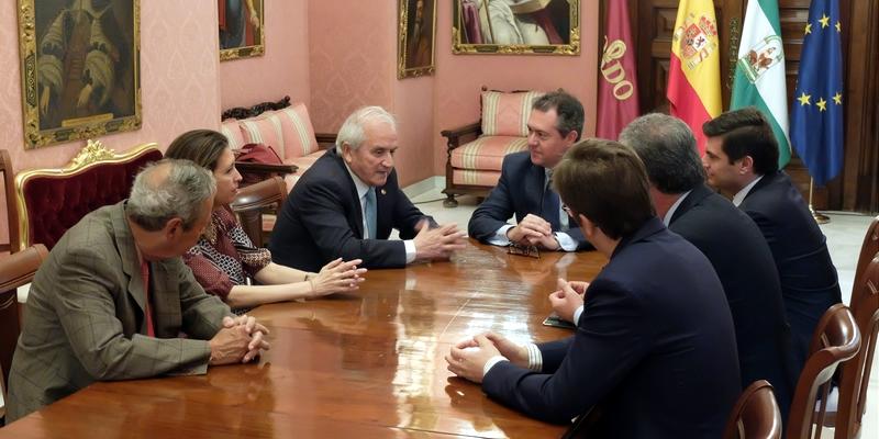 Presentación oficial al Alcalde de Sevilla de la nueva Junta Rectora de la Demarcación