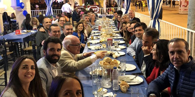El Corpus congrega en Granada a cuarenta compañeros en la caseta de La Gota