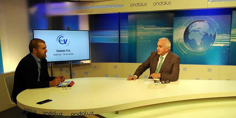 Carlos Pizá entrevista a Luis Moral en la sección Economía Viva de Onda Luz TV