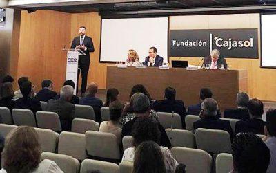 Moral Ordóñez acude al encuentro de la Cadena Ser en Sevilla con el consejero de Turismo