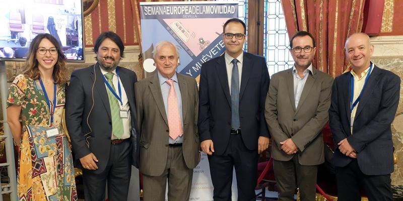 El Decano incide en la necesidad de una red completa de Metro en Sevilla, de cerrar el anillo de la SE40 y conectar Santa Justa con el Aeropuerto