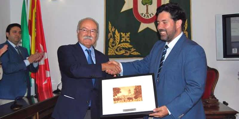 Enhorabuena a Morón Ledro, Presidente de la APBA, por el reconocimiento de su pueblo