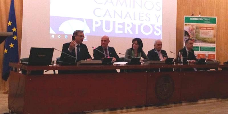 El Colegio alaba el trabajo investigador para lograr conglomerados para carreteras sostenibles y de mayor durabilidad