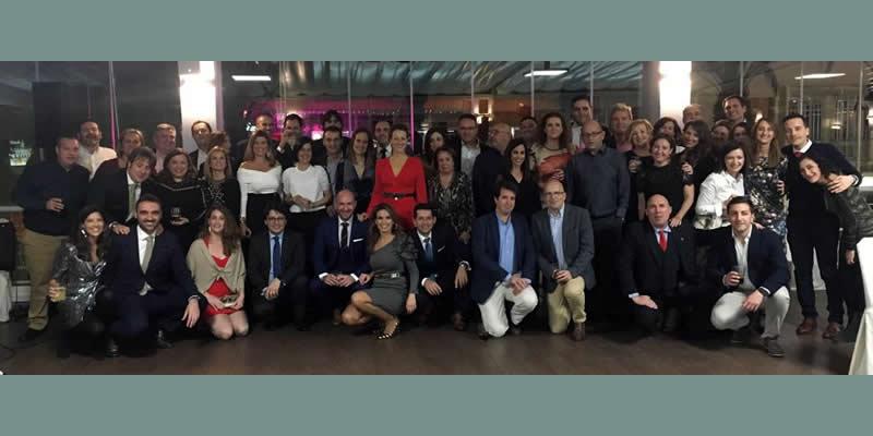 Almería se adelanta al programa navideño con una cena con más de sesenta colegiados y familiares