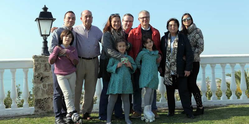 Teresa Callealta Barra, recoge el premio como ganadora del Concurso de Christmas de Caminos Andalucía