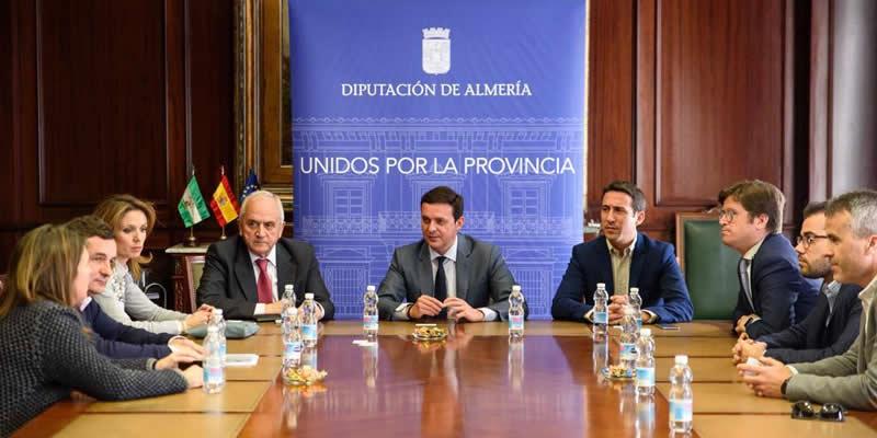 La Diputación y el Colegio de Ingenieros de Caminos plantean establecer «nuevos lazos de colaboración»