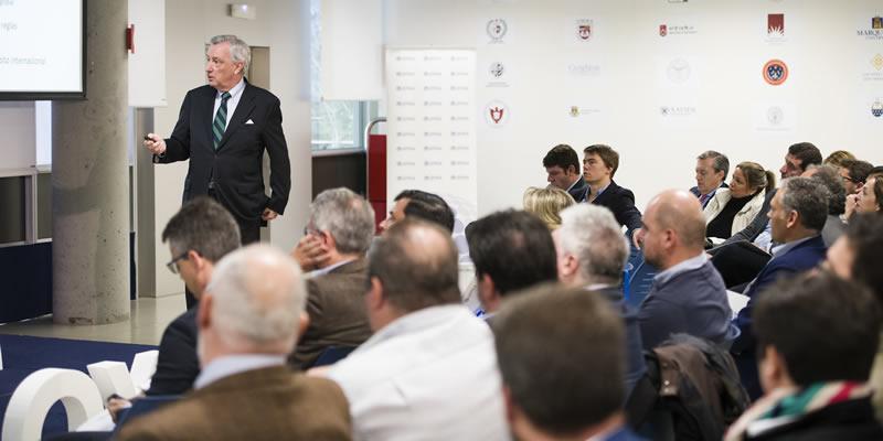 'Un café con' el diplomático español Jorge Dezcallar