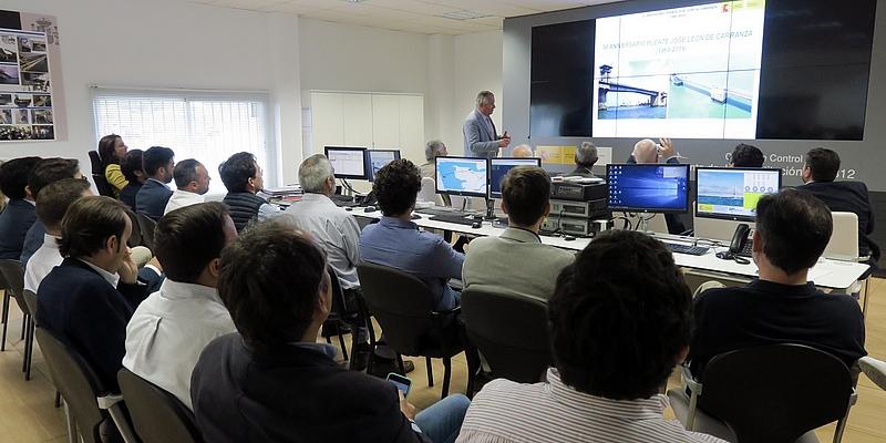 El Representante de Cádiz acerca a los colegiados al emblemático Puente Carranza el día del 50 aniversario de su inauguración