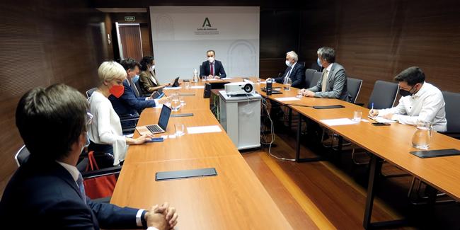 La Comisión de Emprendedores encuentra en la Junta de Andalucía un colaborador comprometido y motivado