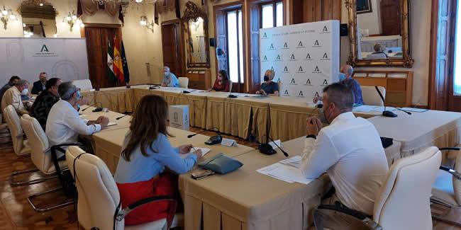 La Ley Lista cosecha en Almería el respaldo de los ingenieros y del resto de representantes del sector