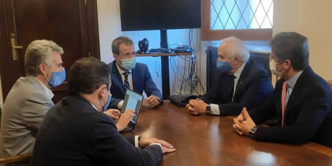 Los ingenieros ofrecen al Ayuntamiento de Jaén su colaboración en infraestructuras, transporte, tráfico, urbanismo y edificación no residencial